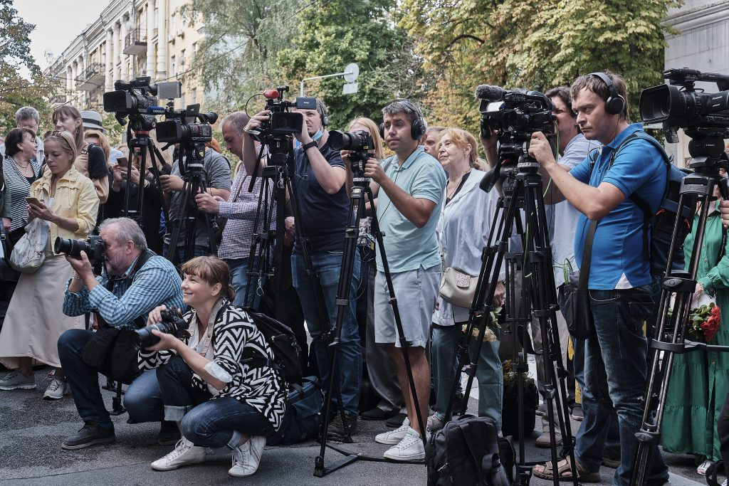 У Києві відкрили дошку-горельеф на честь Богдана Ступки
